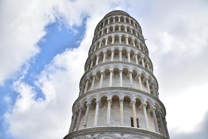 ピサの斜塔、イタリア