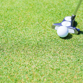 ゴルフ グリーン パッティング 【 アウトドア スポーツ の イメージ】