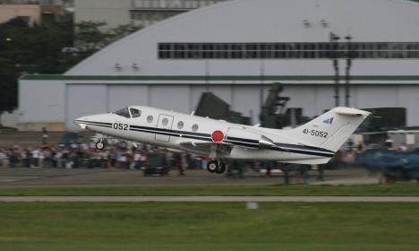 帰投するT-400練習機(2010航空自衛隊小牧基地祭)