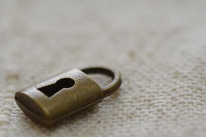 鍵の小物(開ける、閉める、閉ざす、セキュリティ他、イメージ素材)