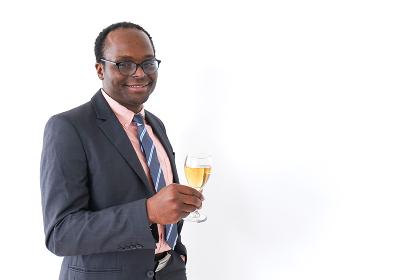 ワイングラスを持つビジネスマン