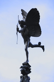 ピカデリーサーカスエロス像