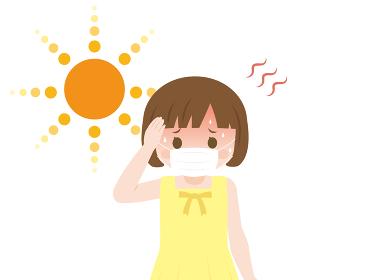 熱中症 猛暑の中マスクをつける女の子
