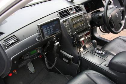 2009年の兵庫県警年頭視閲にて展示された交通機動隊パトカーの運転席
