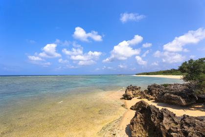 日本最南端、沖縄県波照間島の海岸