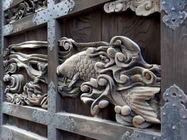 豊国神社の唐門の門扉の彫刻