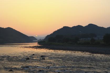 長良川の朝の風景