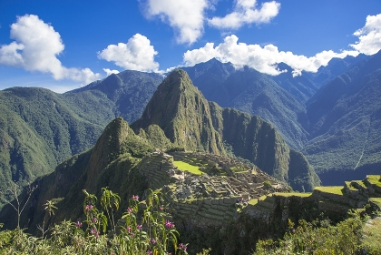 マチュピチュ遺跡とワイナピチュ山