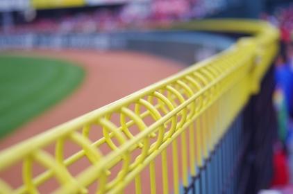 野球場 外野のフェンス