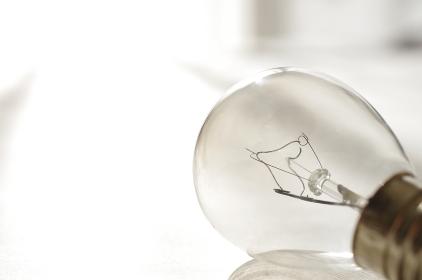 フィラメントの切れた電球