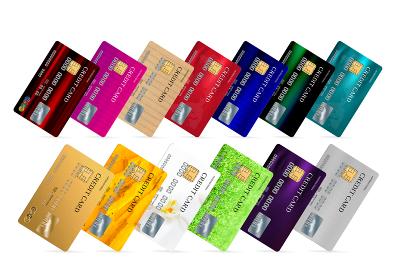 複数のクレジットカードが横に並ぶ画像