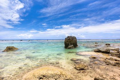 沖縄県宮古島、6月の吉野海岸・日本