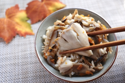 舞茸ご飯 日本の秋の伝統食