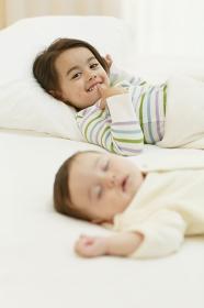 寝室の子供達