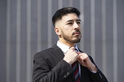 屋外のビジネスマン