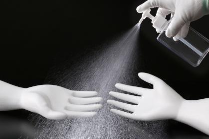 コロナウイルス感染予防のマスクと手袋と消毒