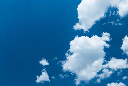 夏空と白い雲 8月