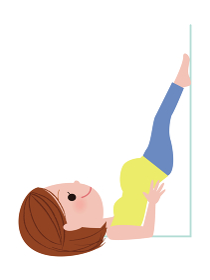 逆子体操をしている妊婦さん(逆立ちポーズ)