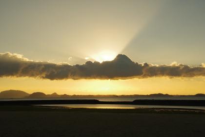 有明海と雲と空と薄明光線