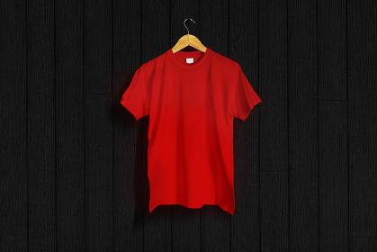 赤色のTシャツ 黒バック 5477