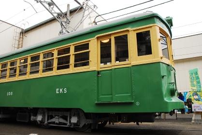 レトロな江ノ電の車両