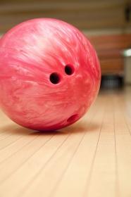 ボウリング球