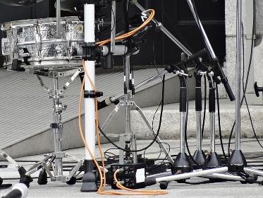 野外ライブコンサートの楽器