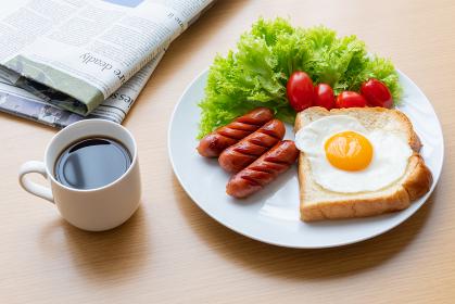 モーニングセット 朝食イメージ 英字新聞