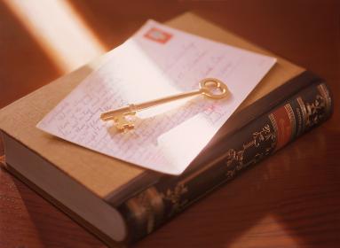鍵と本と手紙