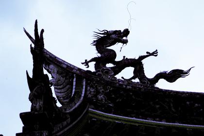 家を守る龍