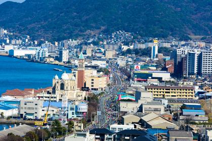 関門海峡を望む北九州市門司区の眺め