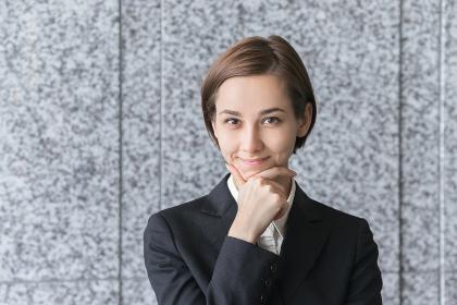 若い女性のポートレート(ビジネスイメージ)