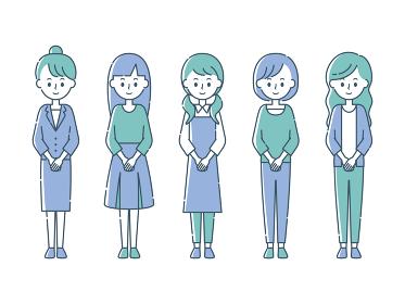 前で手を組む5人の女性