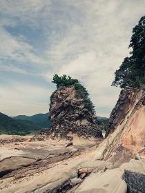 自然に出来た奇岩の風景(日本・高知県・竜串海岸)