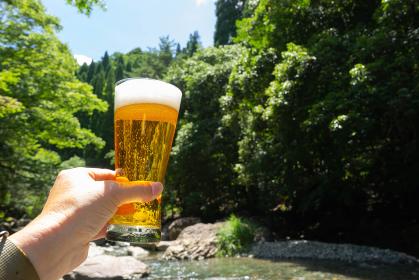 ビール キャンプ アウトドア
