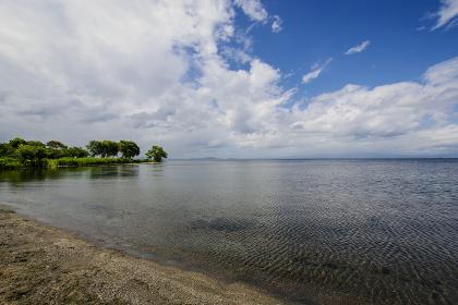 長浜から見る琵琶湖のスカイライン