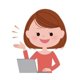 パソコンを操作する女性 / 案内・説明