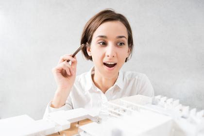 建築模型・女性・仕事