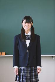 教室にいる女子高生