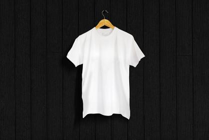 白色のTシャツ 黒バック 5477
