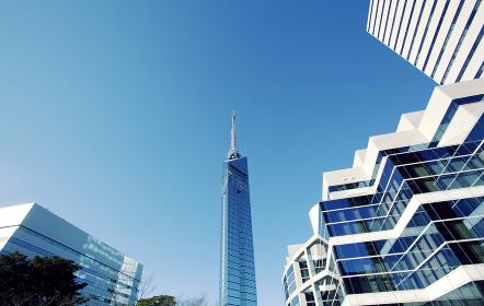 福岡タワーと福岡市早良区の都市景観