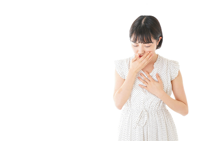高熱を出す若い女性