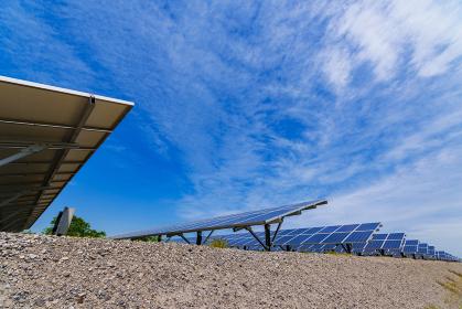 メガソーラー 太陽光発電 ソーラーパネル 【 気候変動 イメージ 】