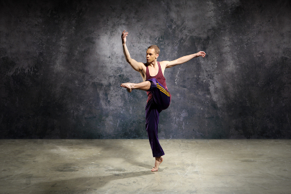 piruet,in addition to dancing,energetic young dancer performs modern dance.