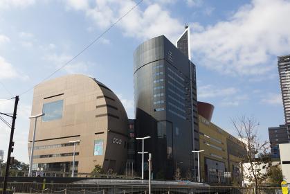 北九州芸術劇場とNHK小倉放送局