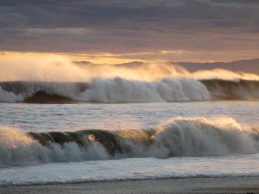 台風一過の荒れた海