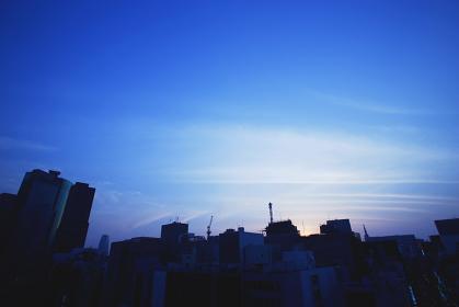 ビルと夕焼け空