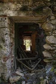 Ruin abandoned on the dolomites