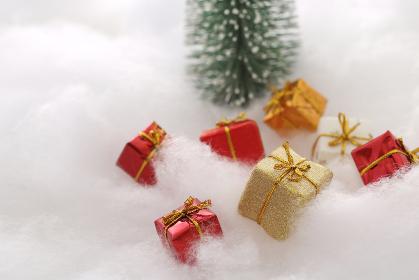 小さな箱のクリスマスプレゼント