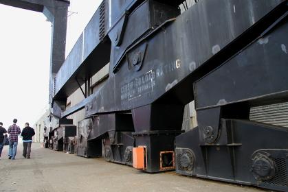 港の巨大なクレーンの足元(サンフランシスコ)